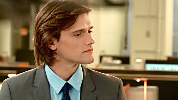 Hartley Sawyer as Scott Angelus in SPiN