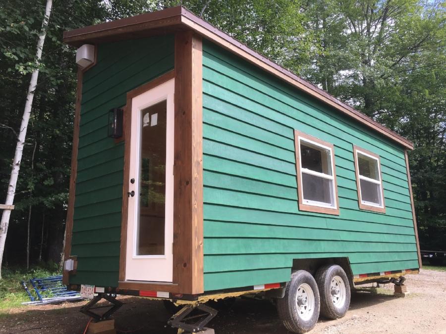 8x20_tinyhouse_exterior