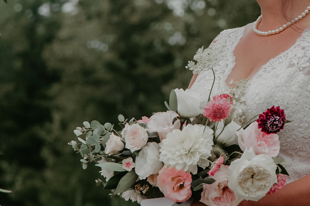 Watershed_Floral_Broadturn_Farm_Maine_Summer_Wedding_33.jpg