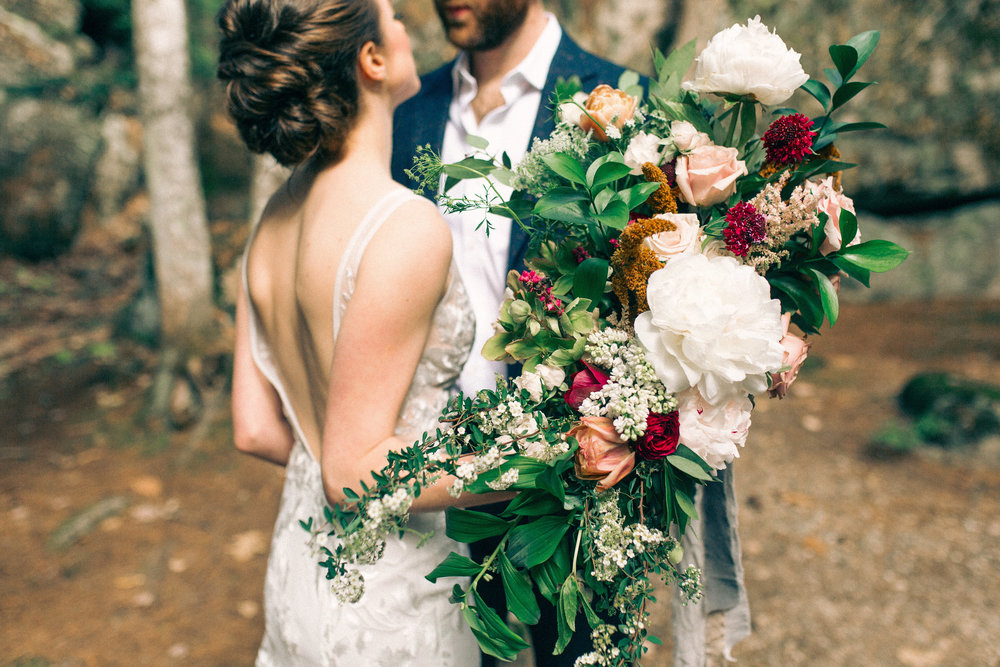 Watershed_Floral_Sarah_Jay_Migis_Lodge_Spring_Wedding_0306.jpg