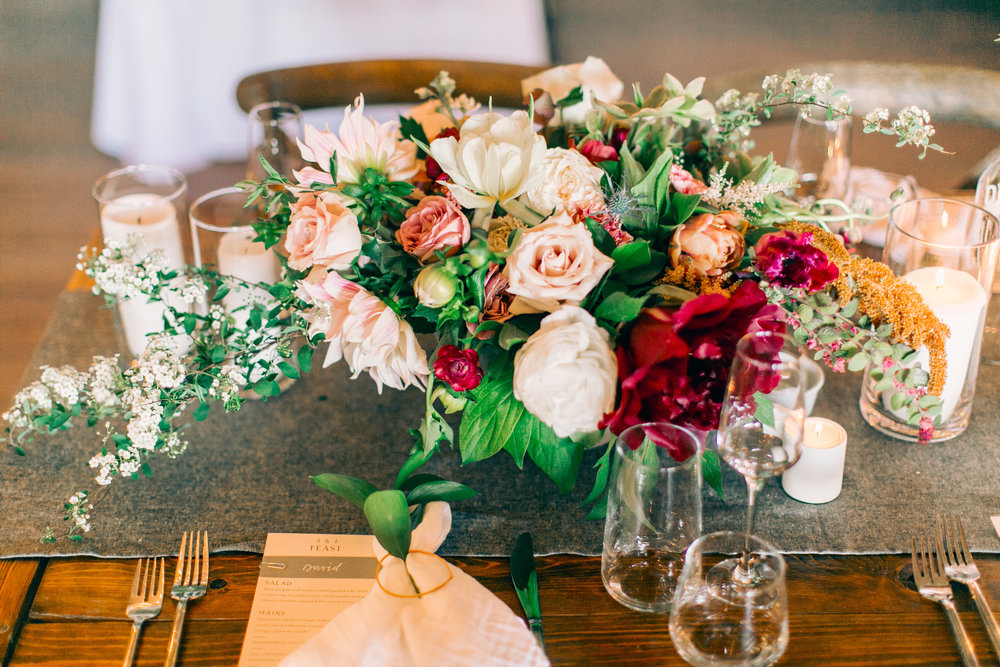 Watershed_Floral_Sarah_Jay_Migis_Lodge_Spring_Wedding_0722.jpg