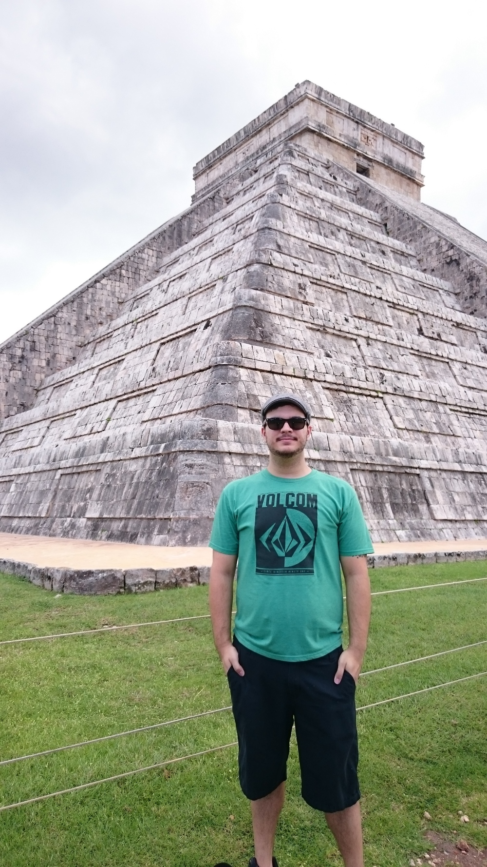 Me at the Chichén Itzá pyramid