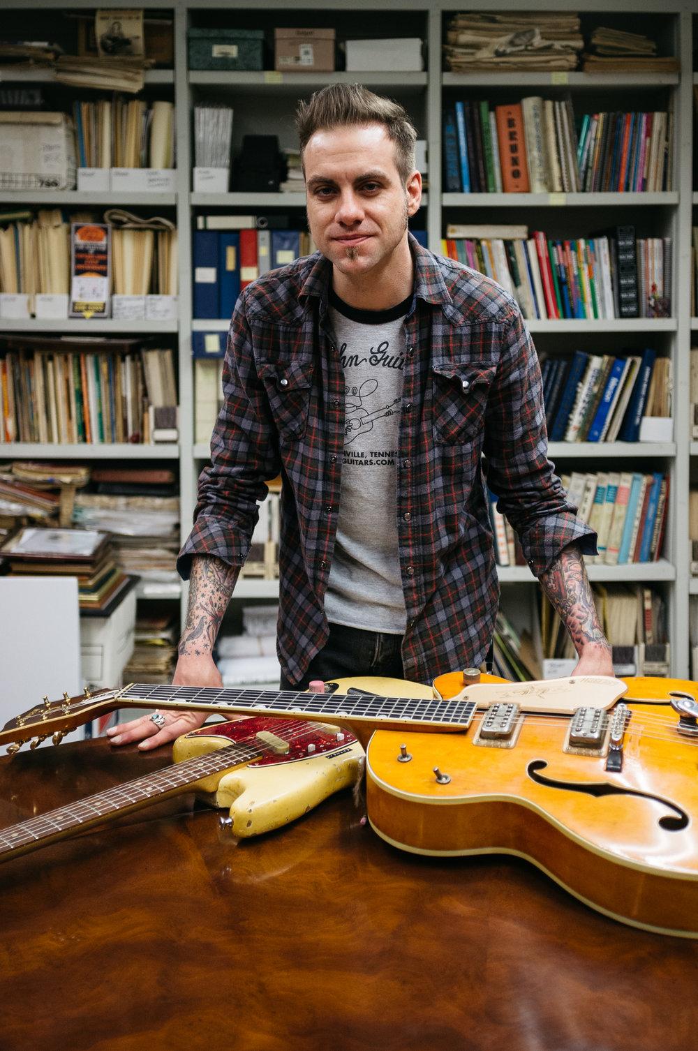 Lloyd-Nicely-Gruhn-Guitars