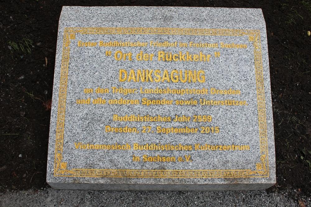 """Ort der Rückkehr"" (Tempat untuk Kembali) menjadi nama pemakaman Buddhis pertama di Jerman Timur."