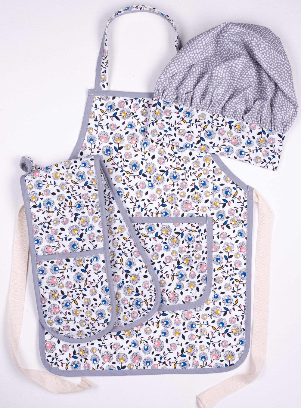 Skoo KidsKitchen Ditsy Floral Print Set