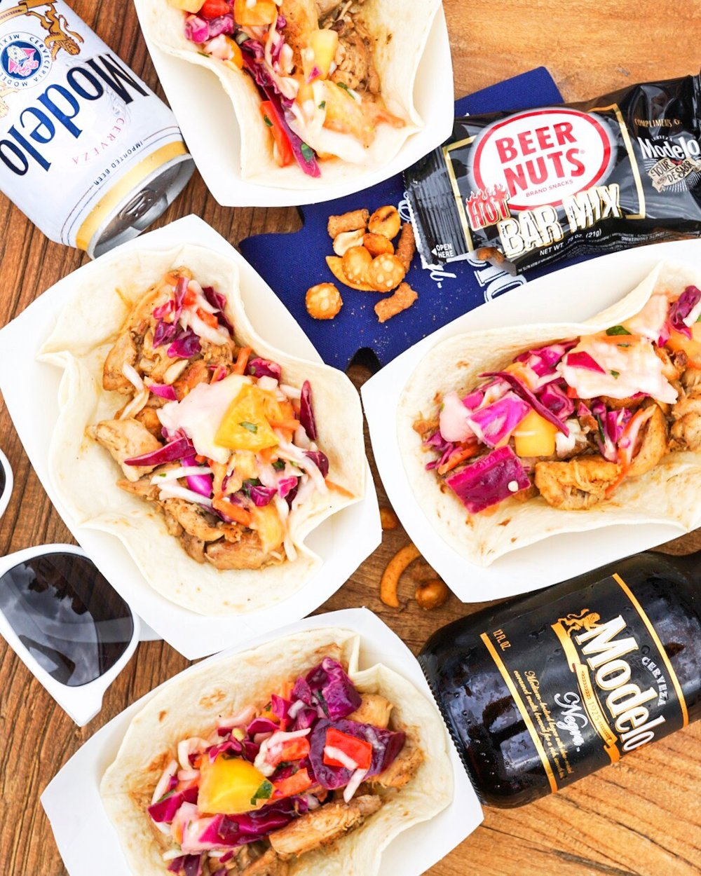 I spent the afternoon hanging with Modelo, the official beer sponsor of the event, stuffing my face with Modelo-Infused Spiced Chicken Tacos and sipping on great beer.