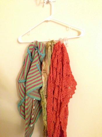 Shawl hanger