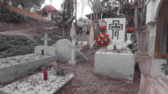 Cemetery near Playa Muertos