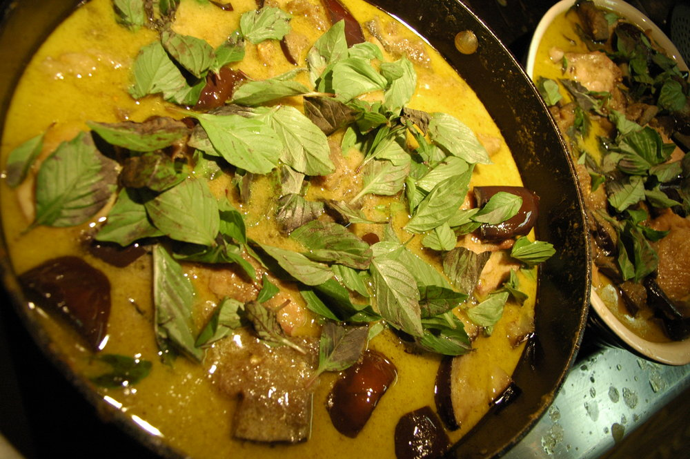 Green curry with chicken, eggplant, thai basil and coconut milk