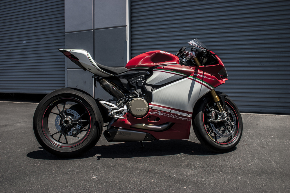 Ducati 1299 Completely Carbon Incognito Wraps
