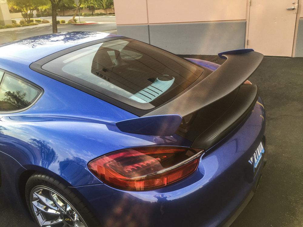Porsche GT4 Carbon Accents
