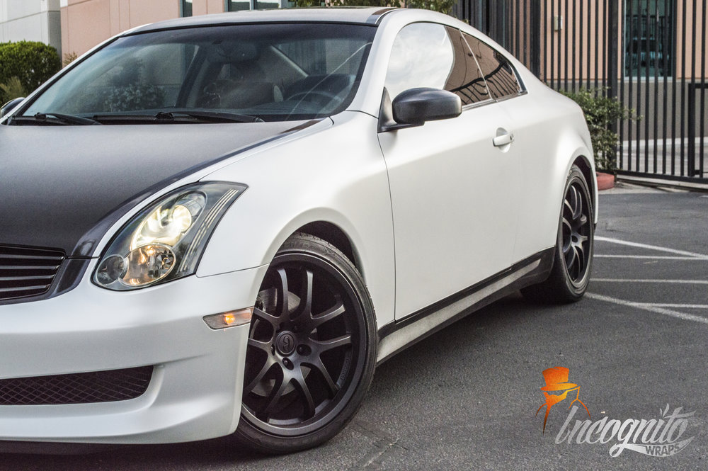Inifiniti G35 Satin Pearl White and Brushed Black Wrap