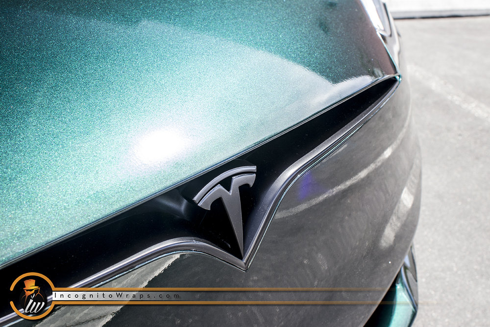 Tesla Model S Green Black Iridescent
