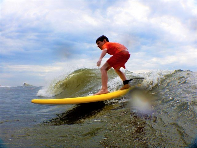 solo boy surfer - fix.jpg