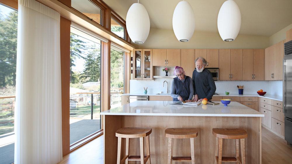 kitchen-folks.jpg