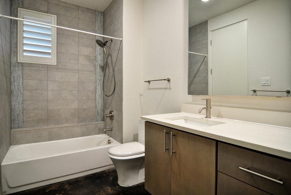 Set25-Bath.jpg