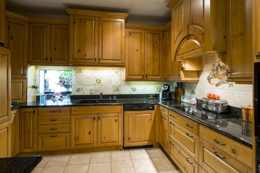 15_Kitchen.jpg