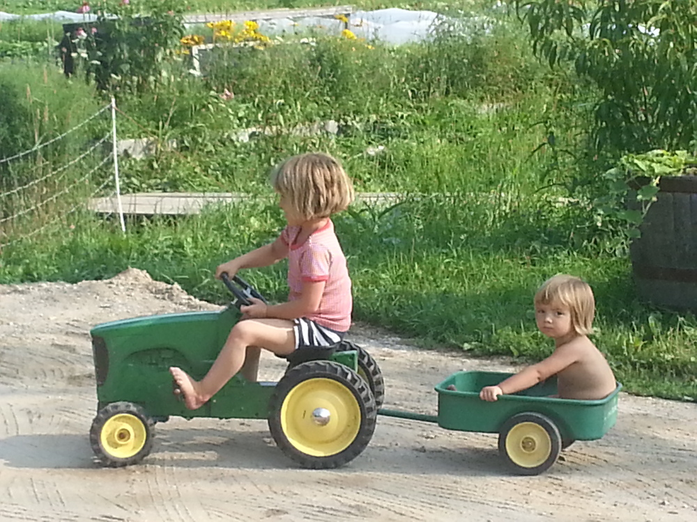 Our youngest farmers, Sascha and Odetta