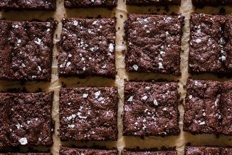 Chewy Vegan Gluten-Free Brownies