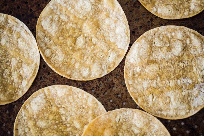 Easy Black Bean Vegan Street Tacos | edibleperspective.com