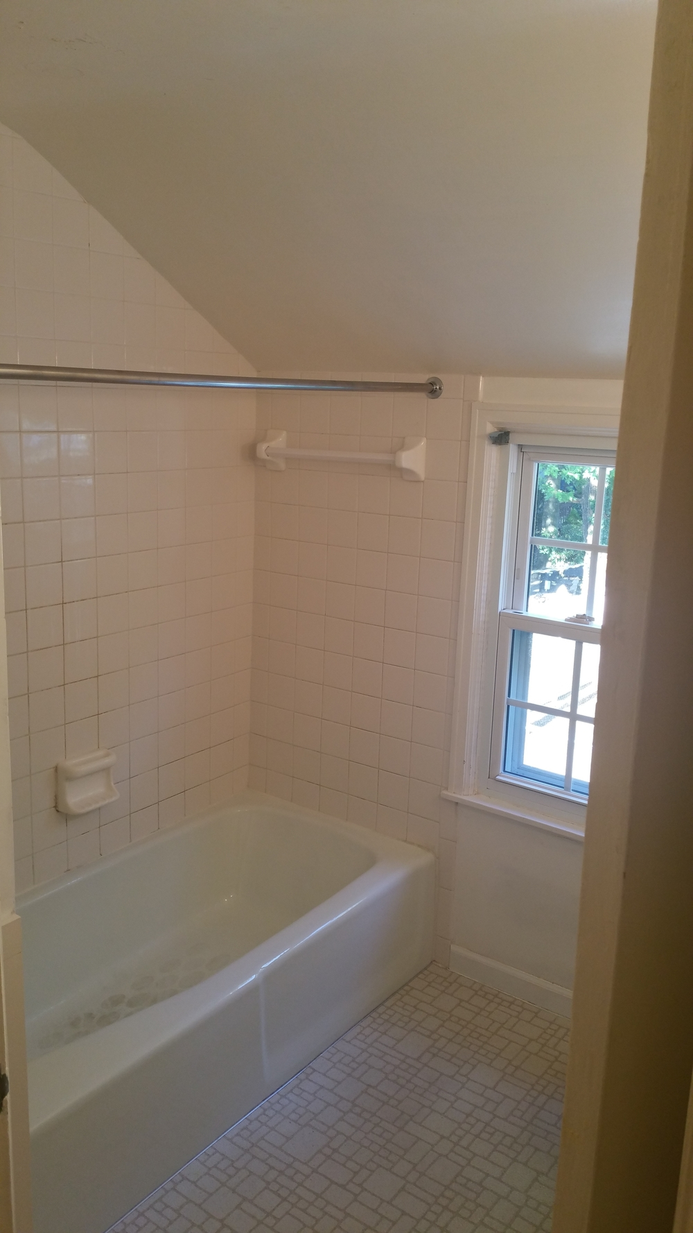 Bath Remodel Before
