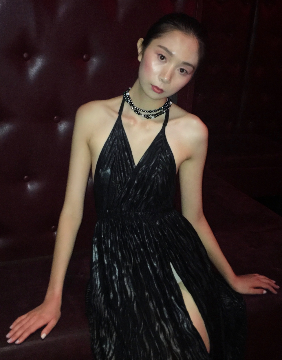 olga parkers jewelry nyfw prive hype app fashion events jewelry collection couture fine jewelry marble white grey bead bracelet gothic ash matte bead tassel necklace