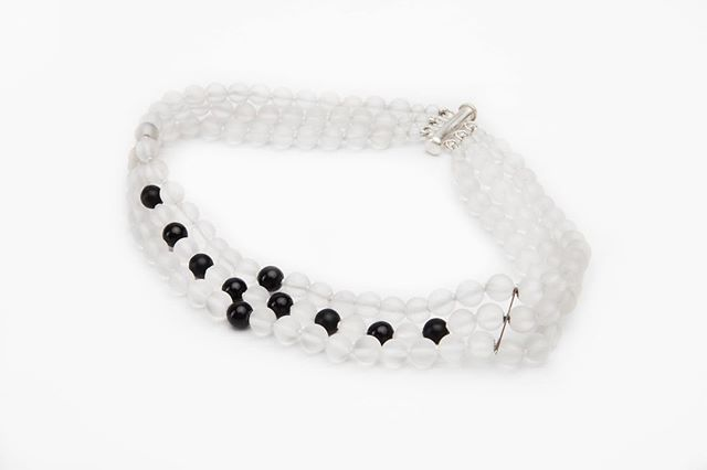 💎❄️💎FROSTED? Fit for an ICE Queen 💎Matte White & Black Onyx Choker #OlgaParkersJewelry  #LuxuryChoker #FrostChoker #mattewhitenecklace #whitechoker #luxuryjewelry [shop link in bio]
