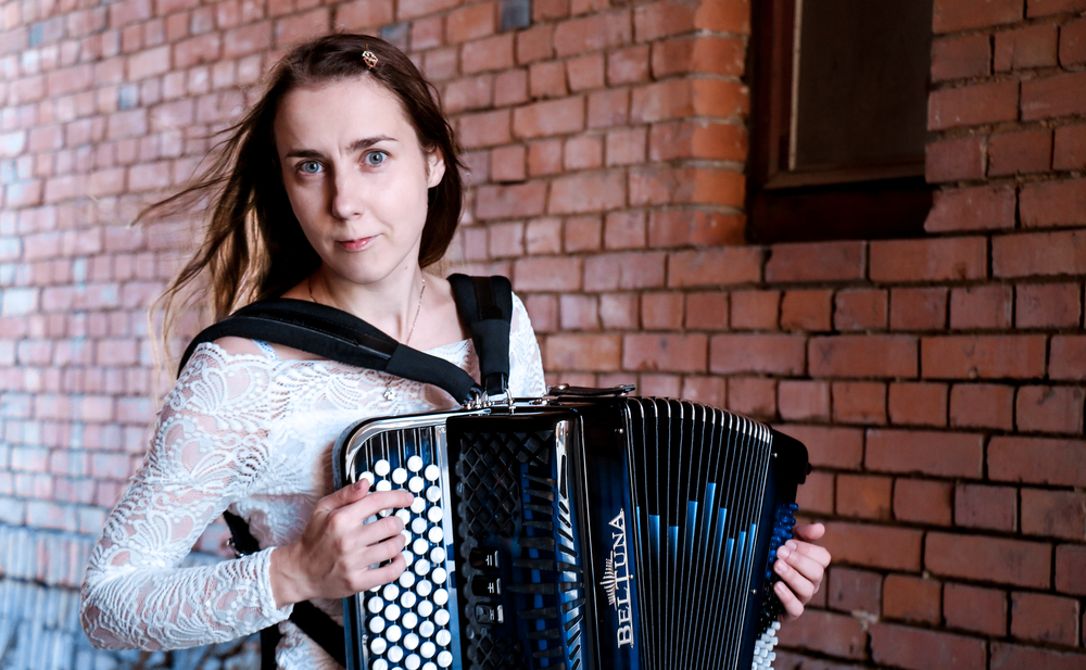 Reet Laube - an accordionist performing classical and world music on a Beltuna accordion