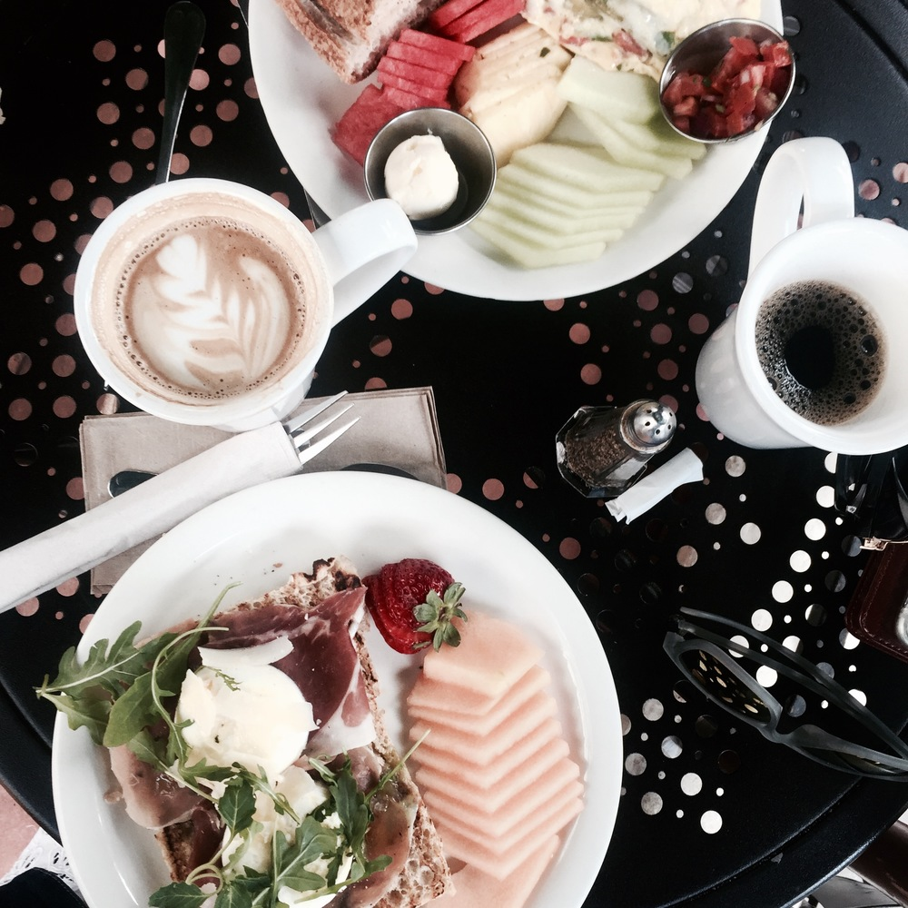 Brunching at my favourite pit stop, Urth Caffe on Melrose in West Hollywood.