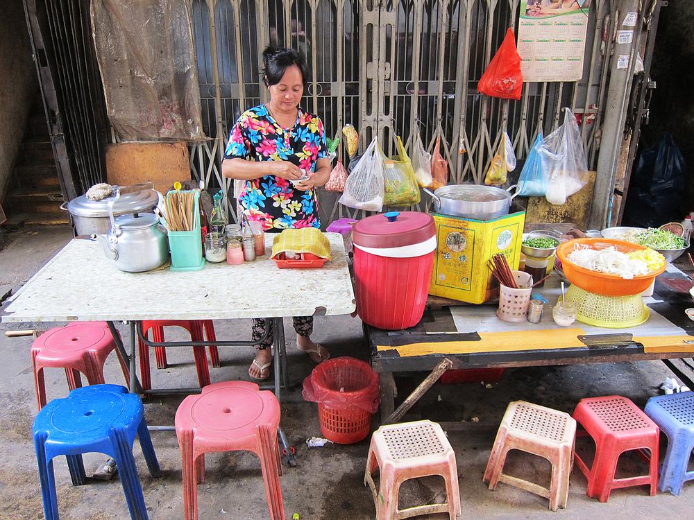Noodle Lady - Phnom Penh, Cambodia