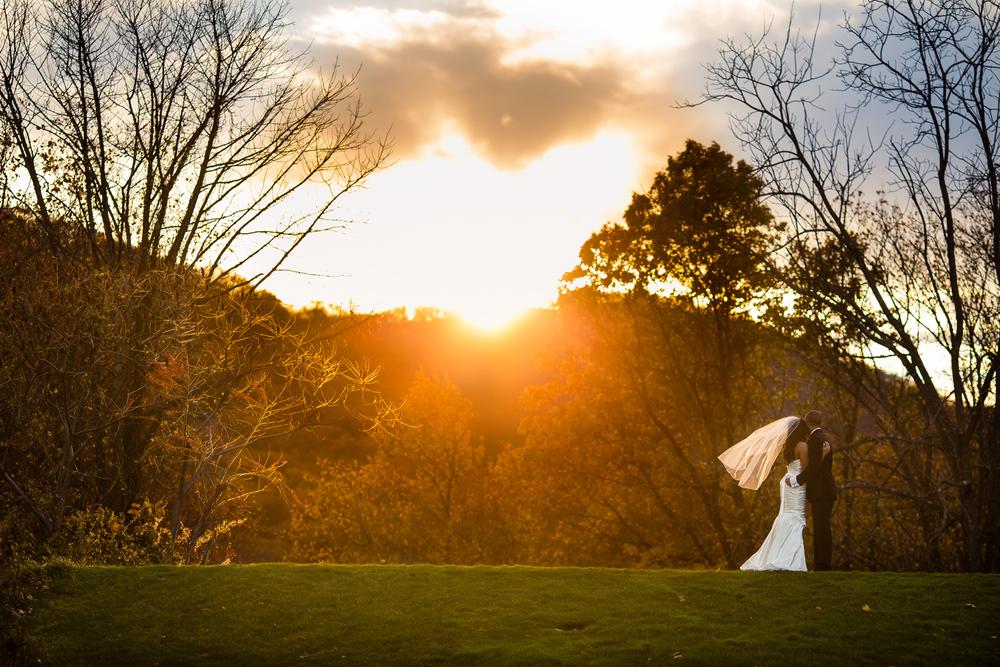 sunset-wedding-portrait-coule-golden-hour.jpg