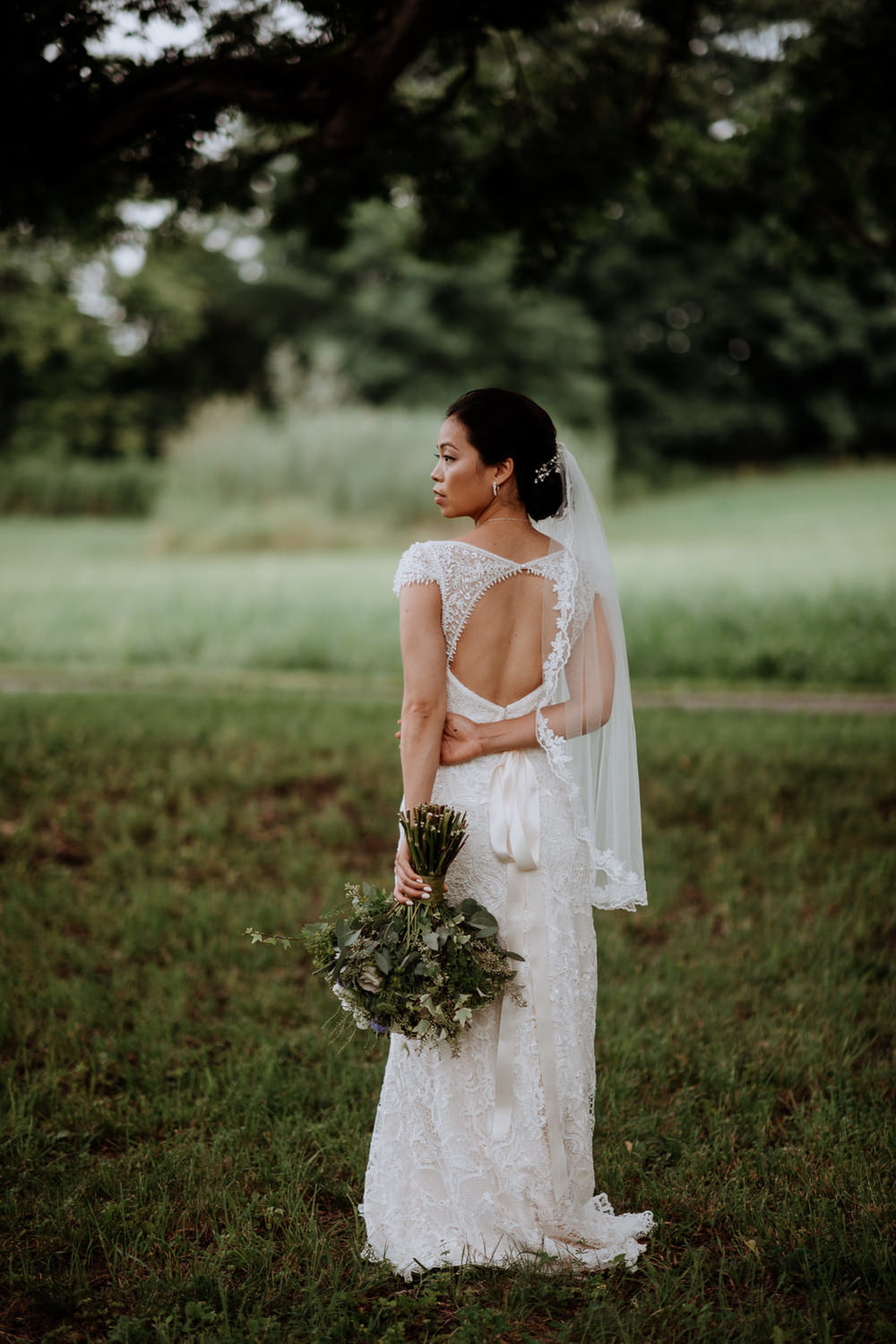 modern bride at Red Maple Vineyard Wedding