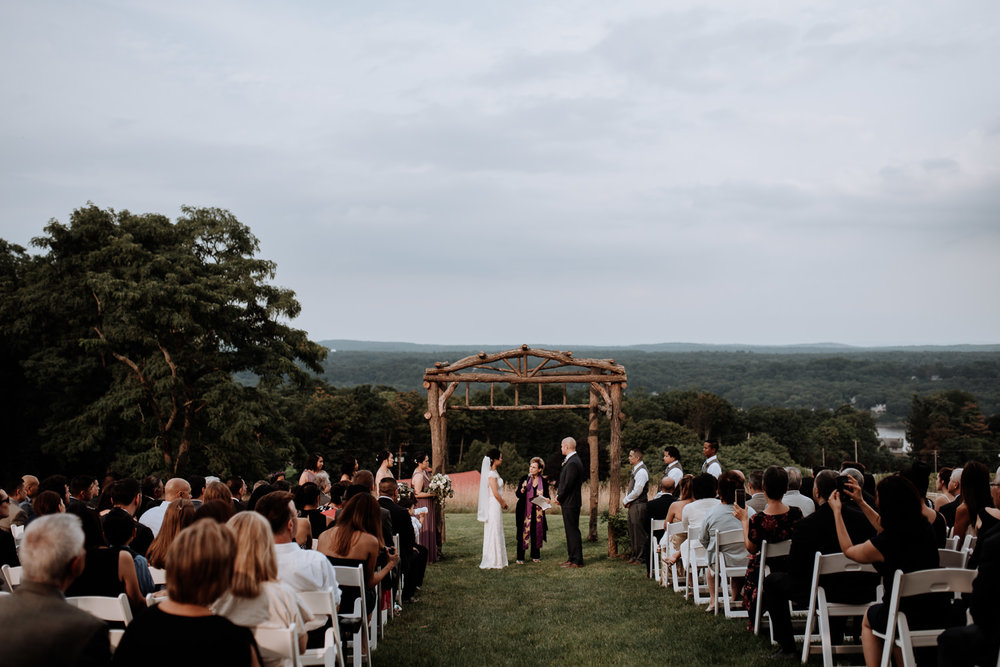Red Maple Vineyard outdoor ceremony