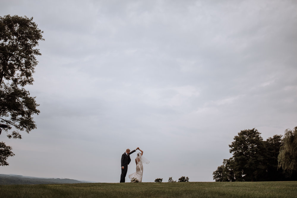 wedding portraits at red maple vineyard