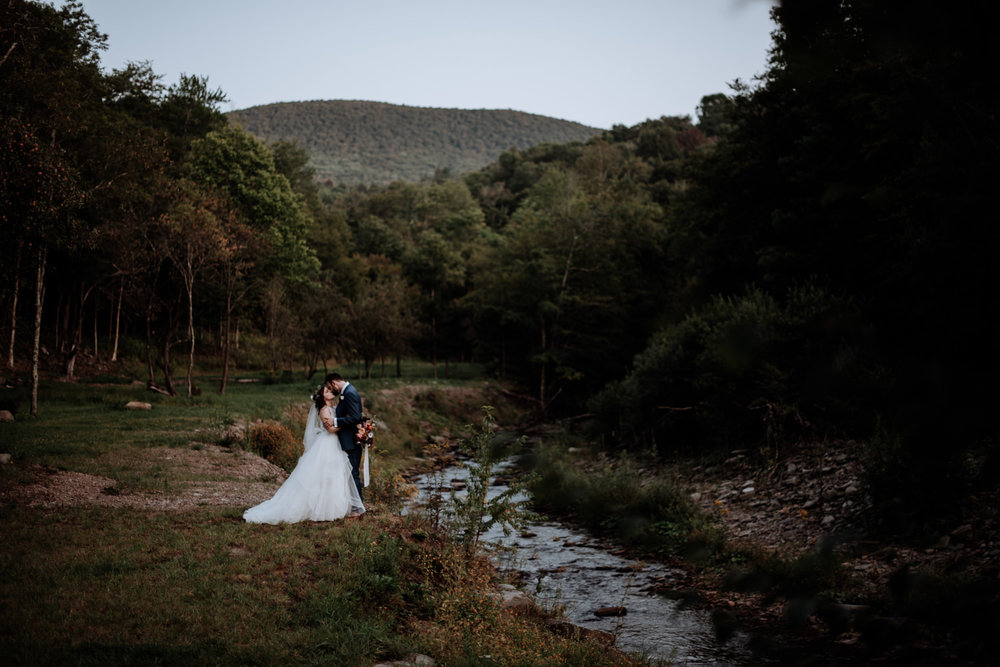 full moon resort : - catskill wedding venue