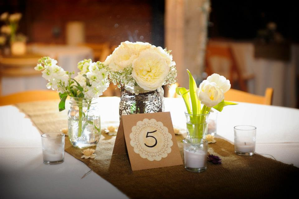 Winter Wildflowers, Pratt Place Inn & Barn, Miles Witt Boyer Photography, Table Decor