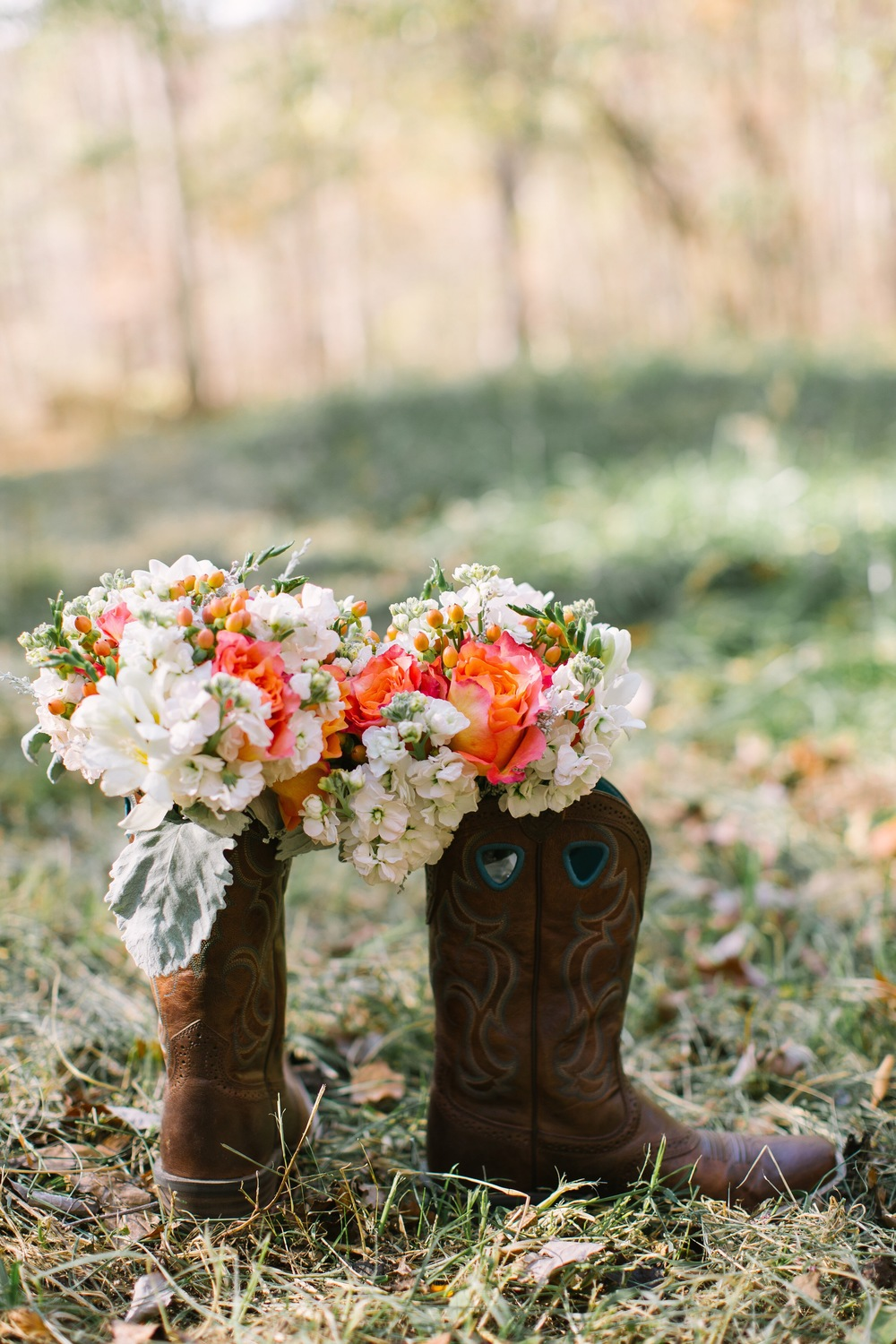 Coral Roses on Campus, Inn at Carnall Hall, Jennifer Young Photography, Bouquets