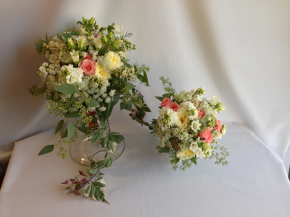 Natural Cascade. Garden bouquet. Pink & White, garden roses, queen anne's lace, eucalyptus. Rose of Sharon Floral Designs