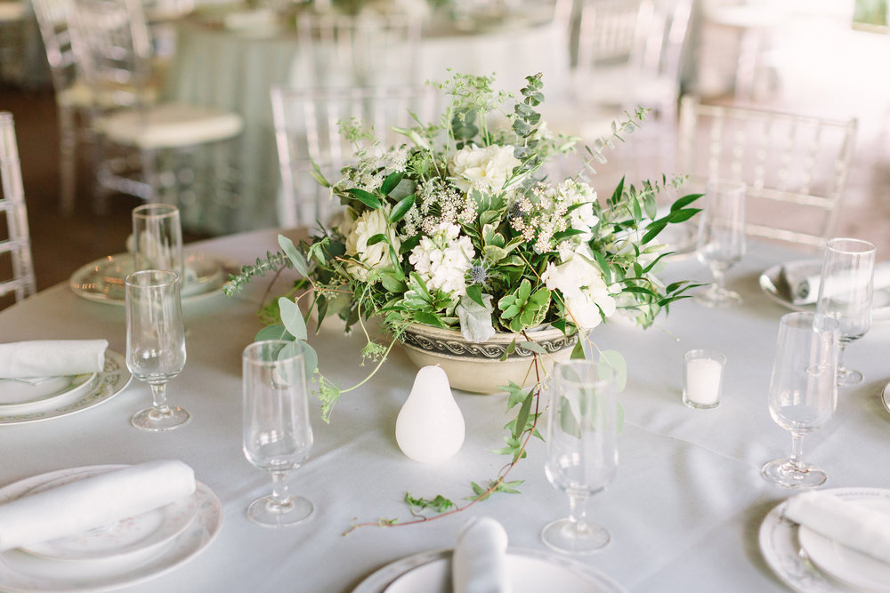 08. Green & white organic centerpiece. Stone Chapel at Matt Lane Farm. Erin WIlson Photography. Rose of Sharon Floral Designs..jpg