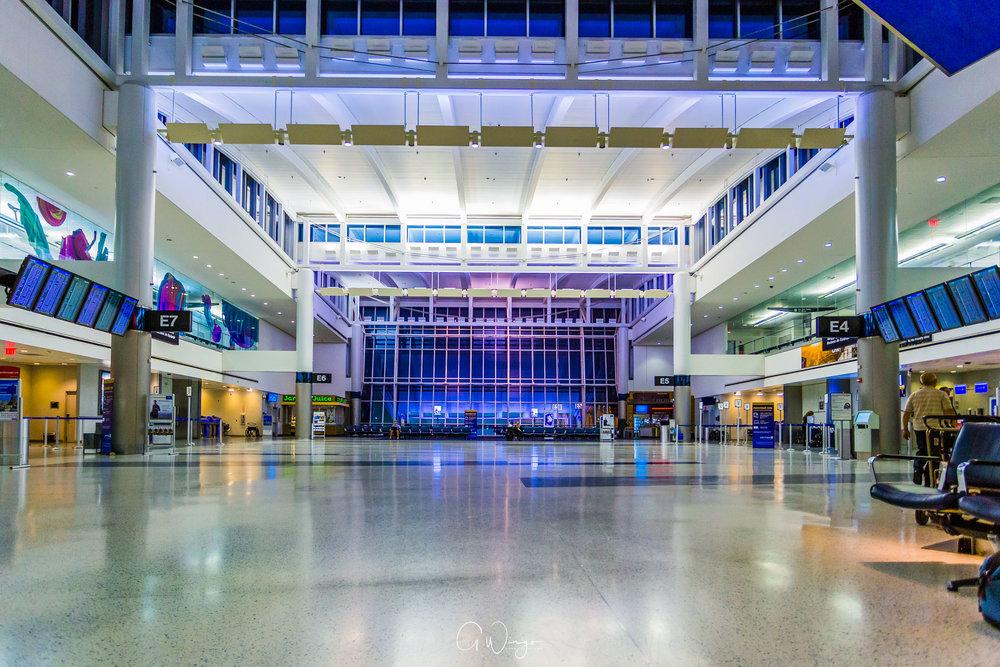 IAH Concourse E
