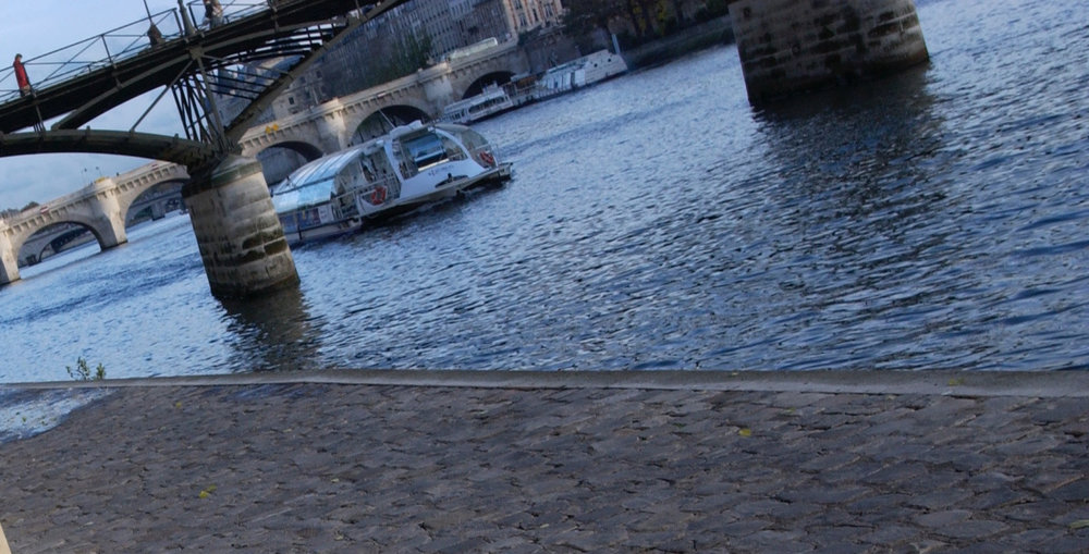 Boat on River under Pont des Artes.jpg