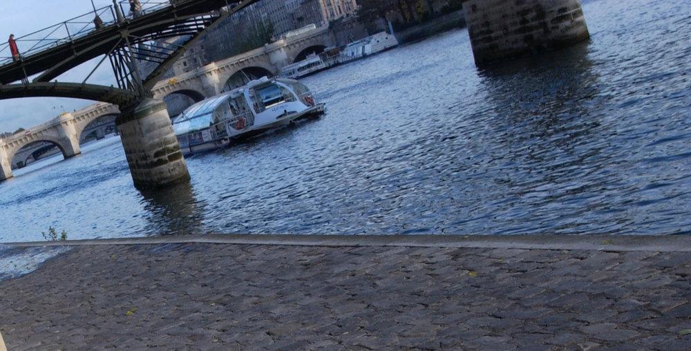 Boat on River under Pont des Artes.jpg