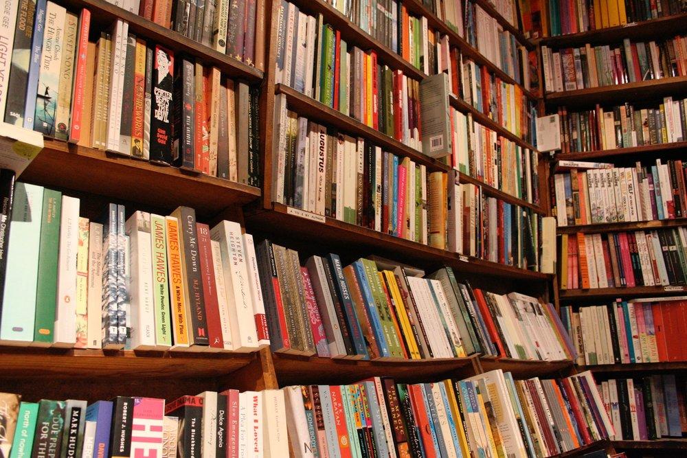 Horizonal Books Shakespear .jpg