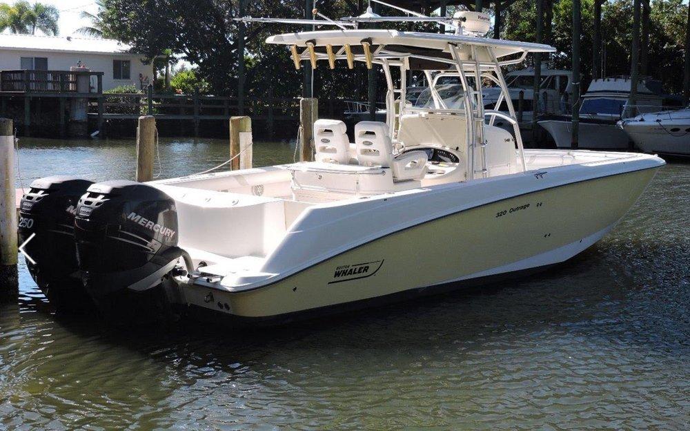 32' Boston Whaler