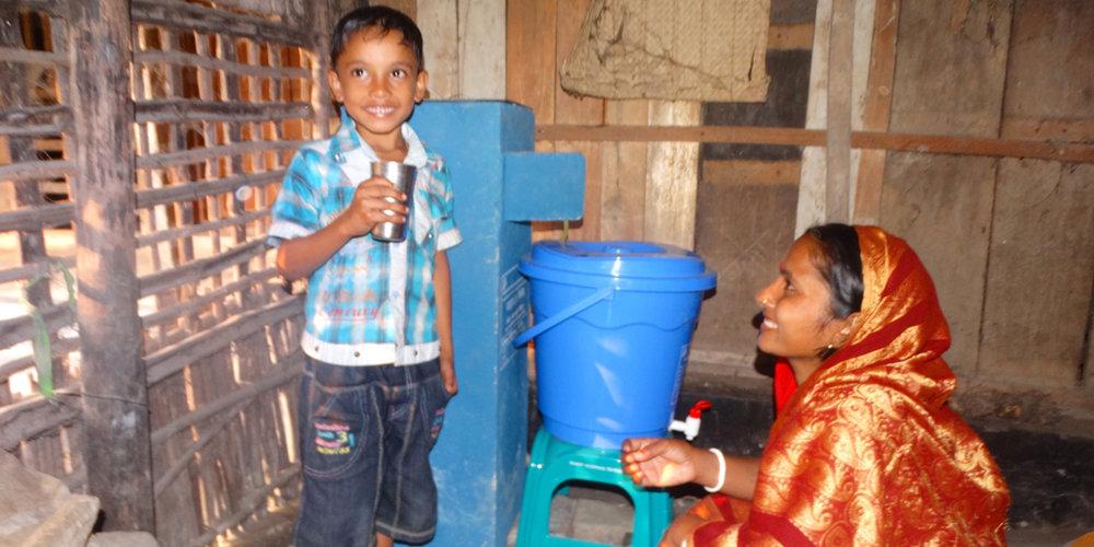 ohorizons_safe_water_smiles_bangladesh.jpg