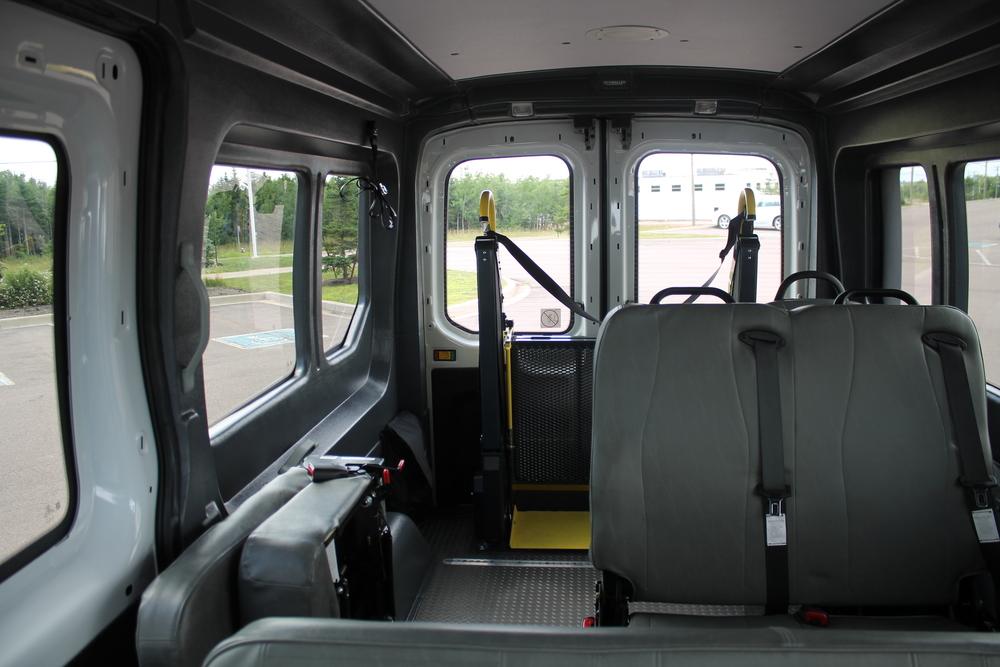 ford-transit-paratransit-2015_005.JPG