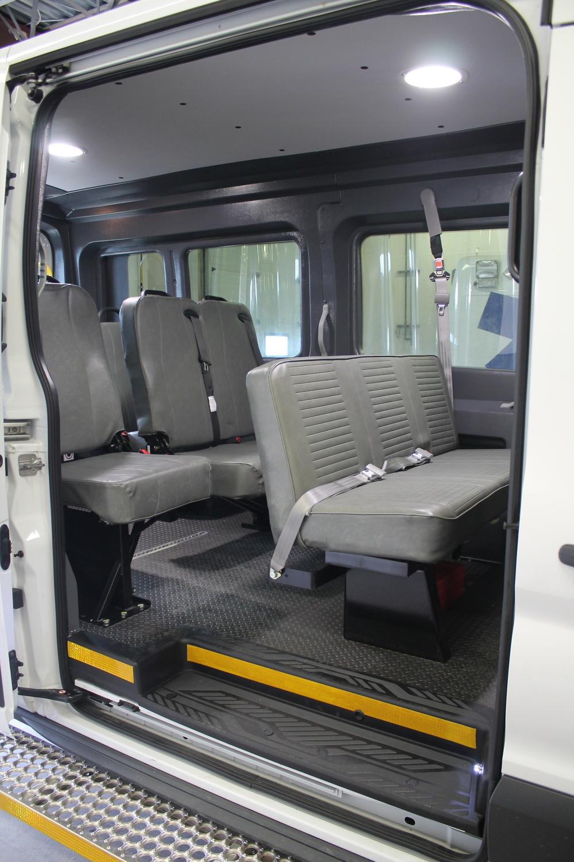 ford-transit-paratransit-2015_008.JPG