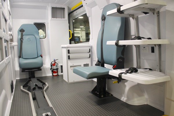 2016-prestige-patient-transport-transit-ambulance_015.jpg