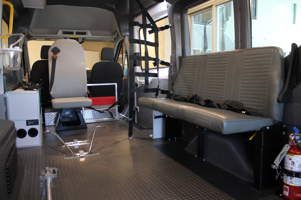 2019-ABLS0002-carrier-centers-patient-transfer-ford-transit-t250-highroof_006.JPG