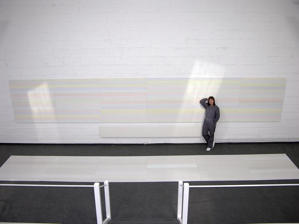 wand/boden-installation nr. 05/2006 - 2 x 140 x 840 cm (variabel) - acryl auf baumwolle/alu